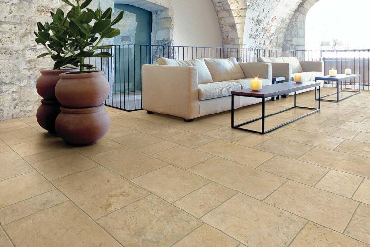 Il calore della pietra mediterranea: panaria ceramica petra solis