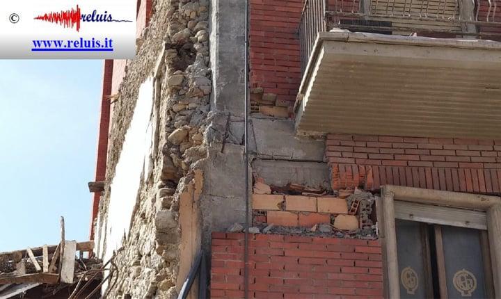 danneggiamento del nodo trave-pilastro