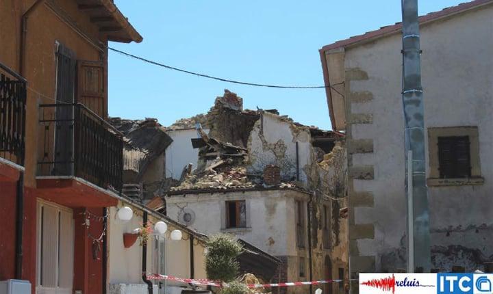 Collasso del tetto e della porzione superiore di una struttura in muratura