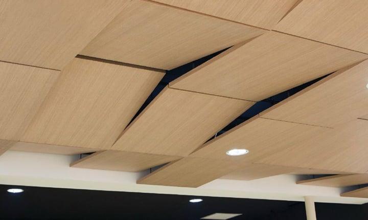 Controsoffitti tecnologie a confronto for Pannelli in polistirolo per soffitti