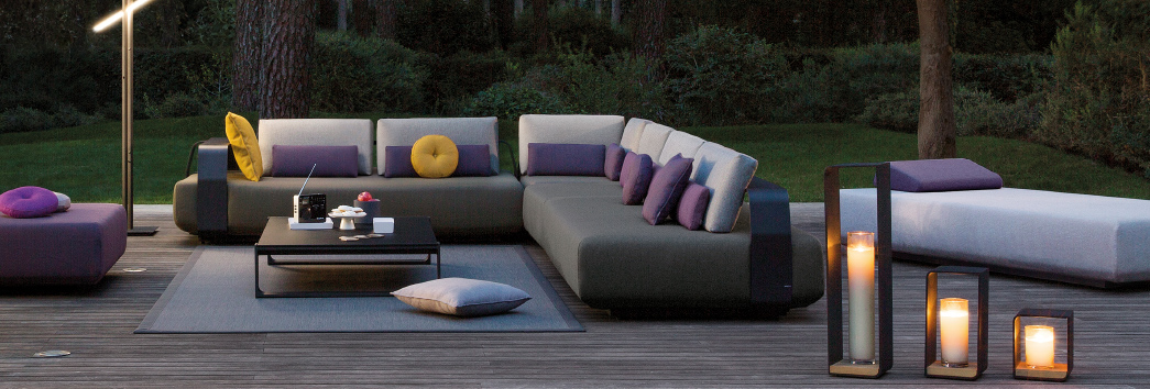 https://img.edilportale.com/focus/outdoor_sofas.jpg