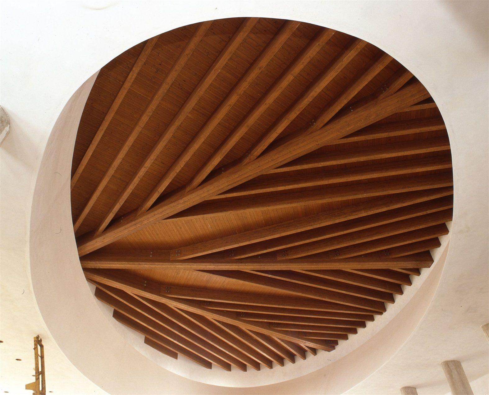 Soffitto In Legno Lamellare : Moretti interholz coperture in legno lamellare e geometrie per l