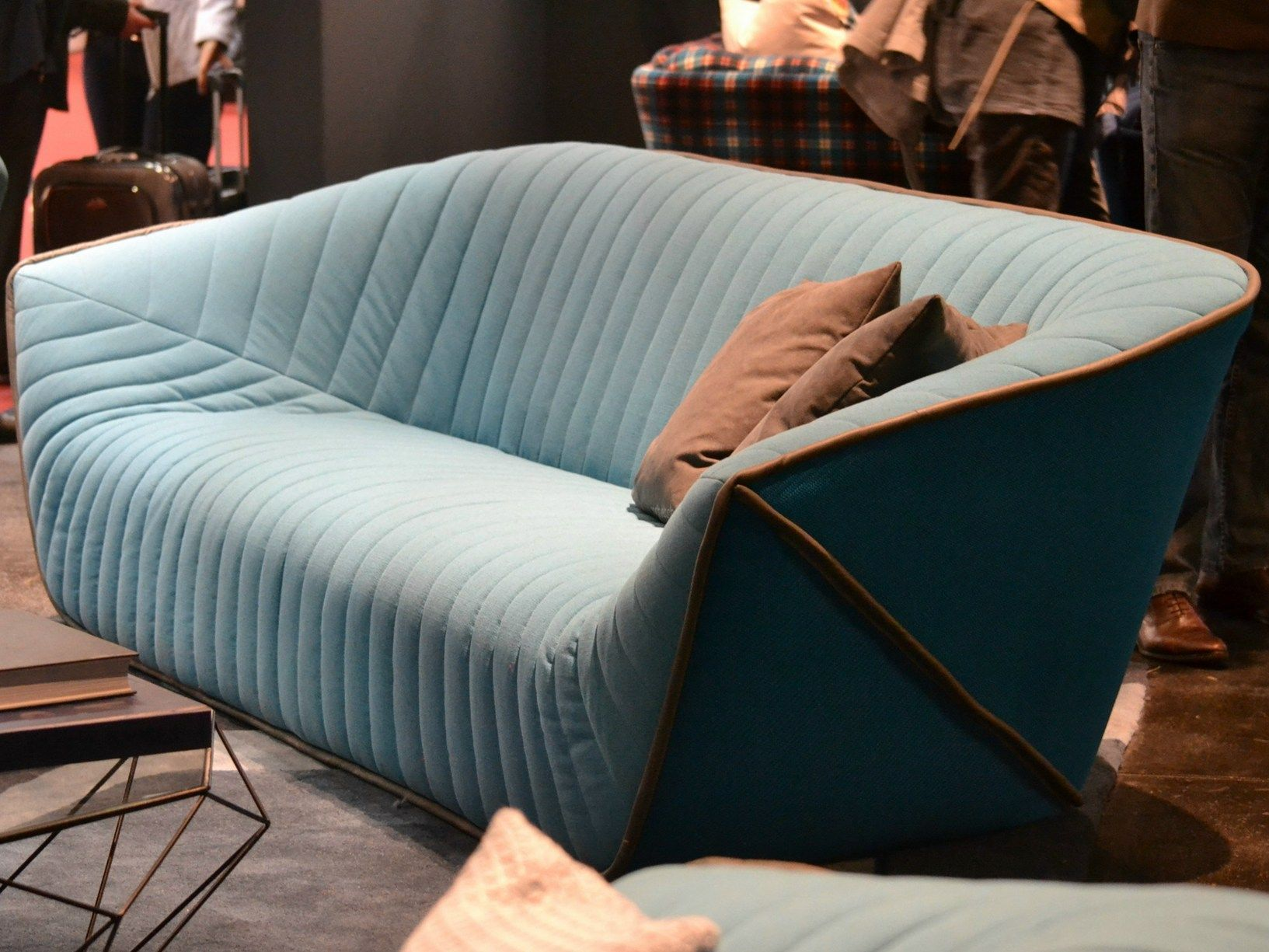Art De Vivre By Roche Bobois At Isaloni # Canape Cinema Roche Bobois