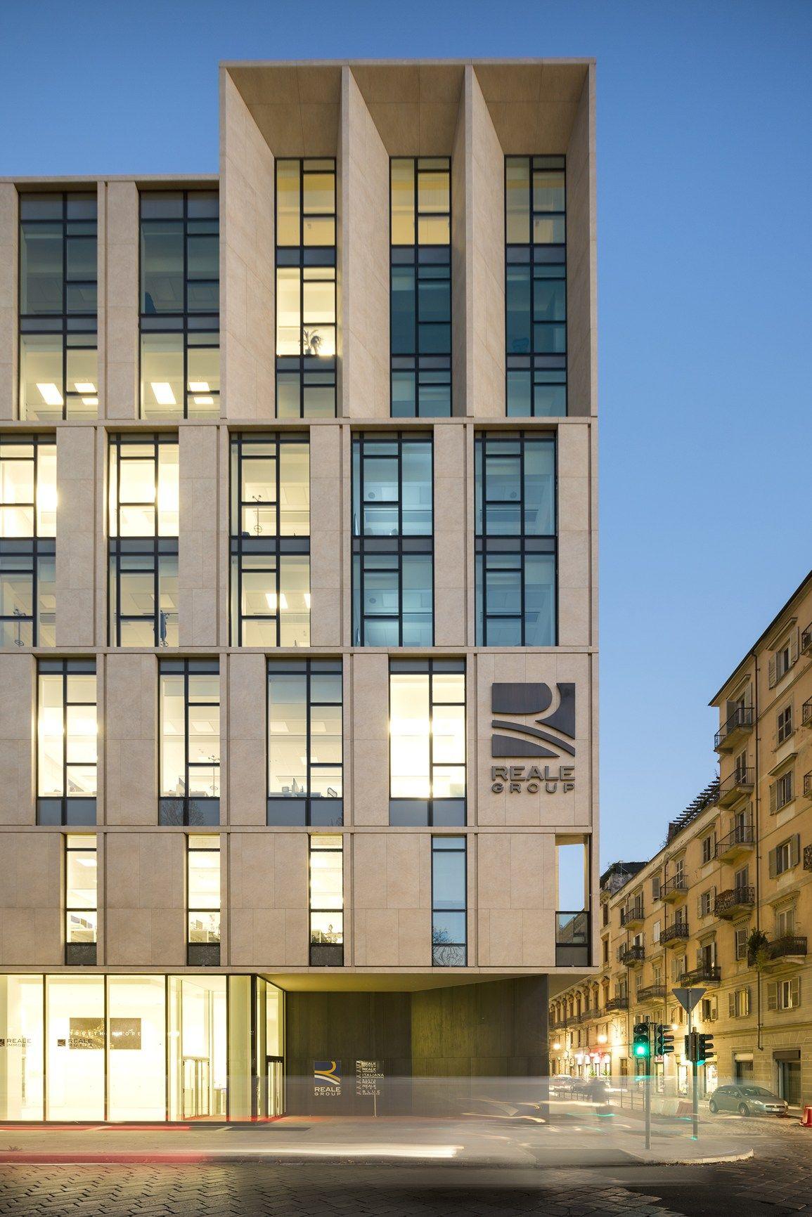 Cotto d Este per i nuovi uffici del Gruppo Reale Mutua a Torino