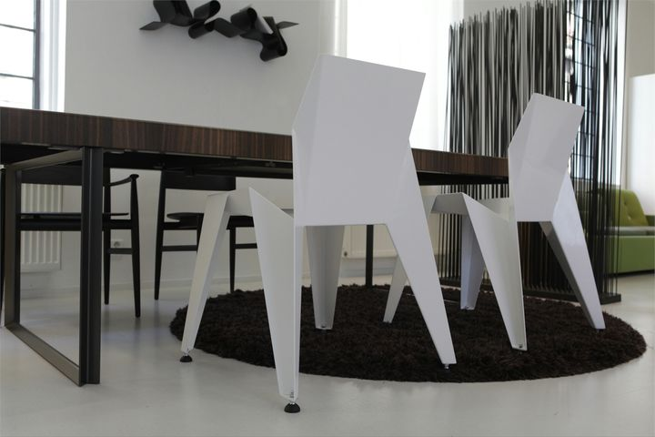 EDGE chair by Novague