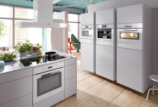 Miele presents New \'PureLine\' and \'ContourLine\'