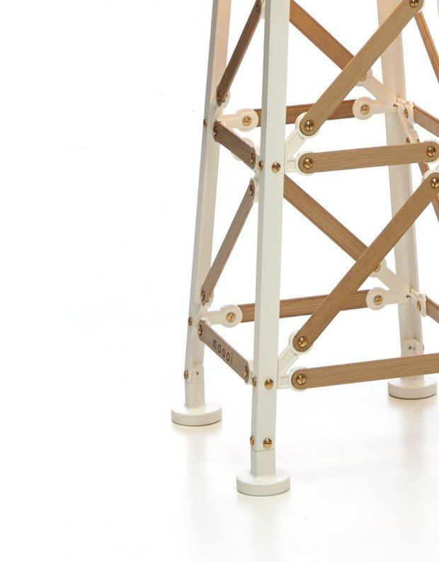 Moooi presents the inventive Construction Lamp by Joost van