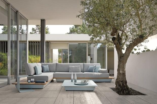 j_44933_01.jpg - Manutti, Exclusive Outdoor Furniture At ISaloni