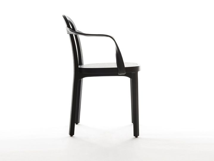 A charming leather ribbon wraps Siro chair - 웹