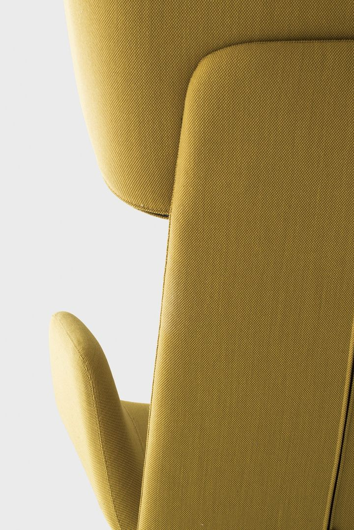 A single moulds for 18 different armchair models