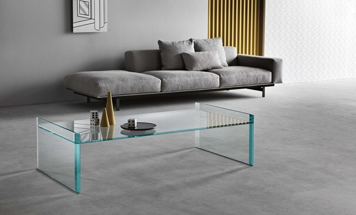 Glass slabs in a perfect balance between shape and technique