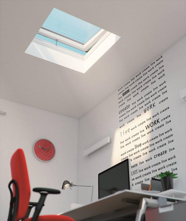 FAKRO: estetica esclusiva e tecnologia d'avanguardia con la finestra modello F