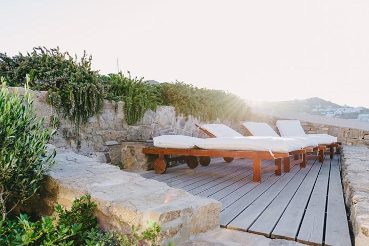 Ethimo per il Rocabella Mykonos Art Hotel & SPA