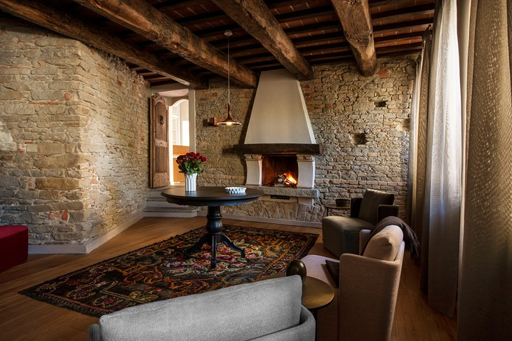 Oluce for Villa Del Borgo Relais in Canelli