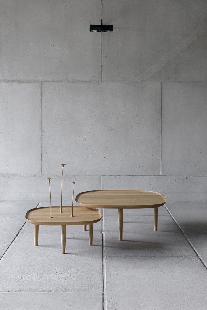 Fiori table by Poiat