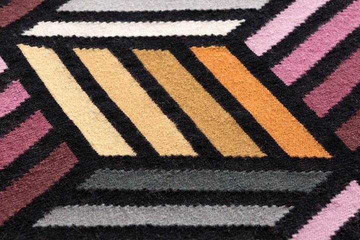 Il parquet diventa tappeto. Studio Front + GAN