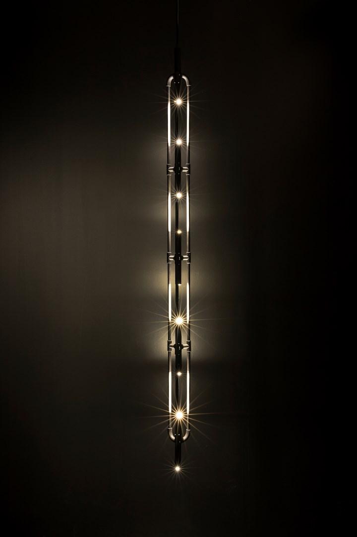 Forma affusolata, struttura in ottone: BIS by Sollos