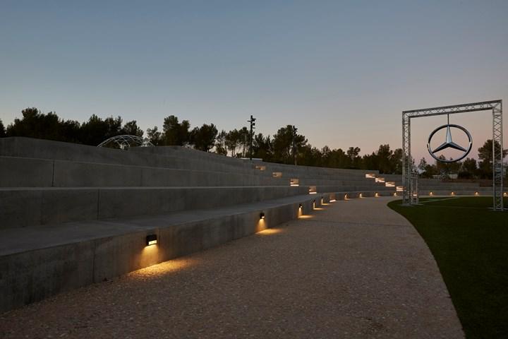 L&L Luce&Light illumina The Camp ad Aix-en-Provence