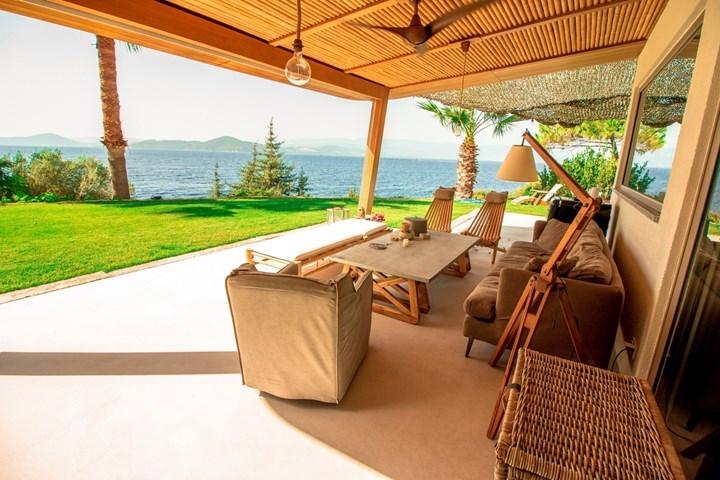 Ideal Work per un'abitazione affacciata sul Mar Egeo