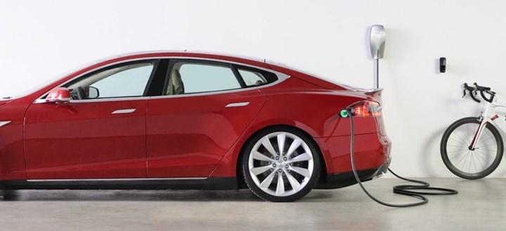 Ecolibera: l'auto elettrica si ricarica a casa