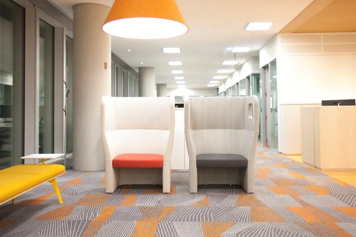 Legno, colore e interazione: True Design a Seul