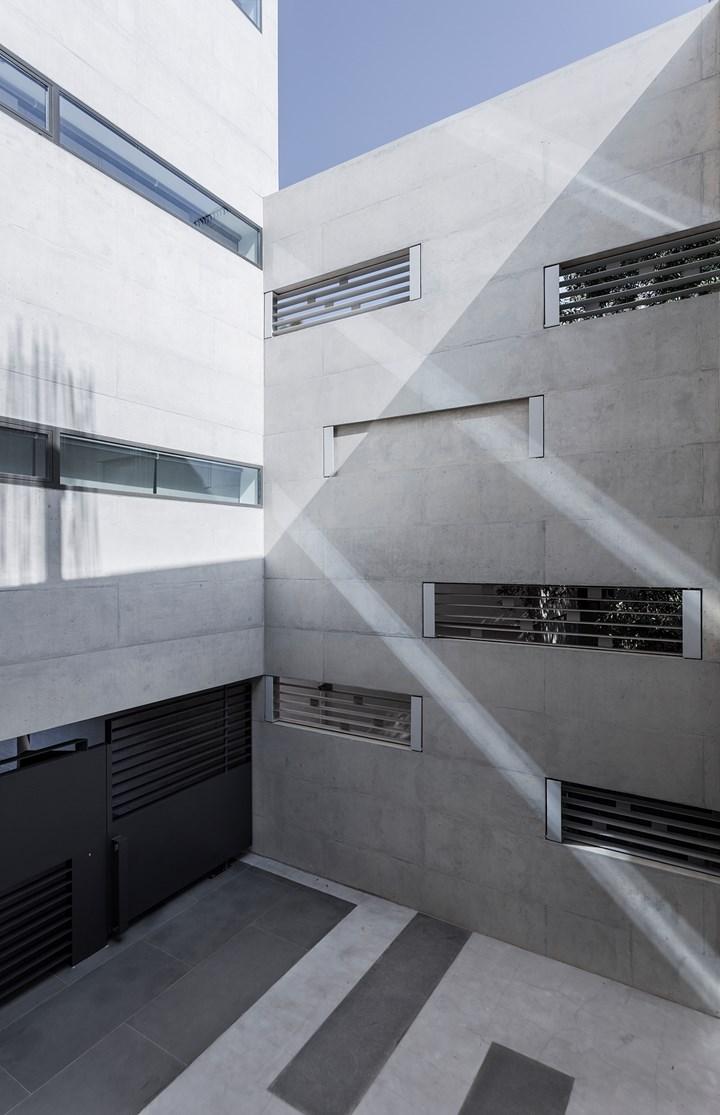 Inside-Out, un involucro di luce e materia