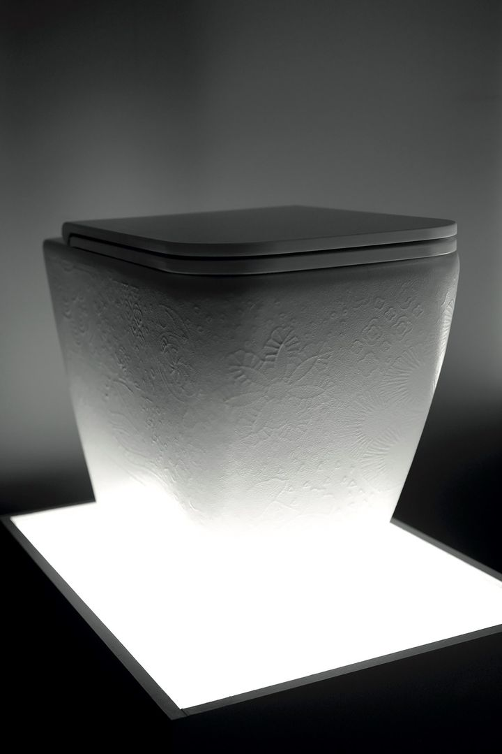 Il decoro Macramè arricchisce lavabi e sanitari