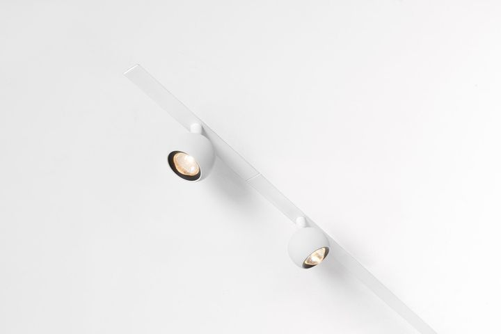 Modular Lighting Instruments, Pista