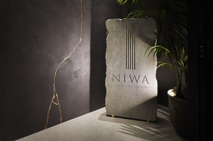 Niwa. Luce, matericità e richiami esotici