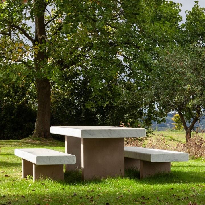 La nuova collezione outdoor firmata John Pawson per Salvatori