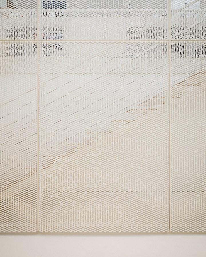 La carta plasmata da Kengo Kuma. Il progetto Archives Antoni Clavé