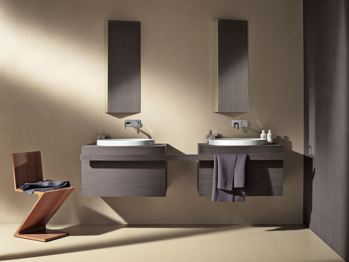 Geometria ed essenzialità vestono il bagno