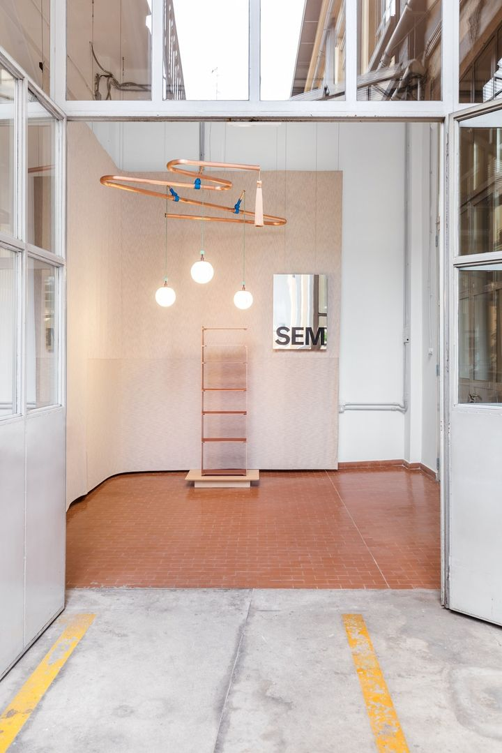 SEM showroom