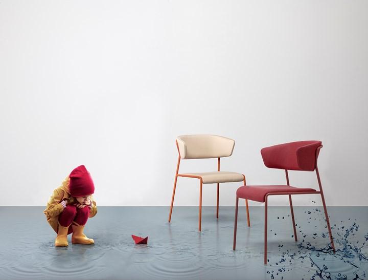 Lisa Waterproof, Scab Design