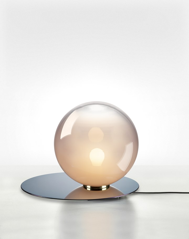 Umbra table lamp by Bomma
