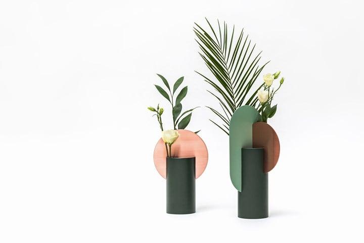 Malevich Vase and Yermilov vase by NOOM