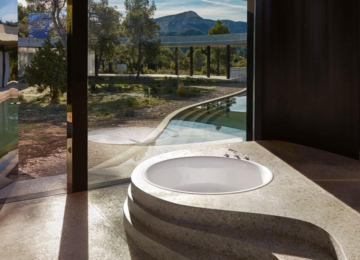 Un polo di tranquillità nell'architettura del bagno