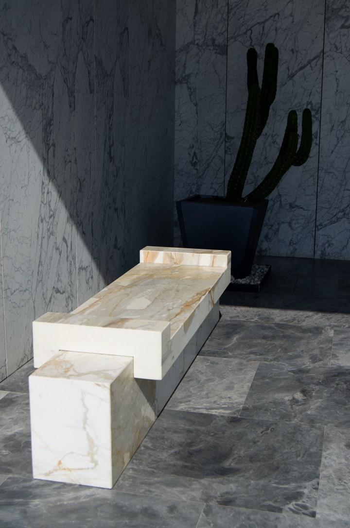 Re-Charge: il marmo diventa tecnologico