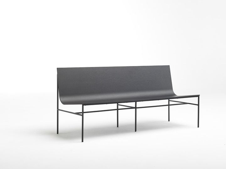 Fran Silvestre designs a new bench for Capdell's