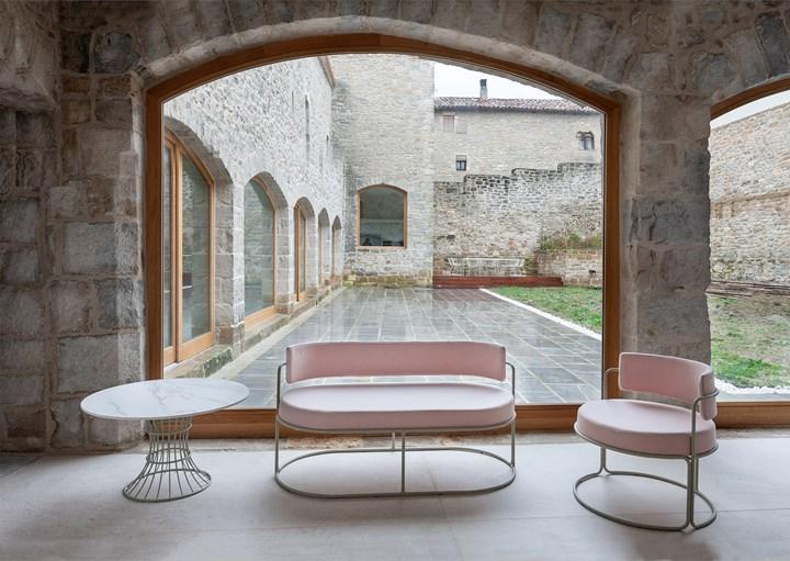 BOLONIA table PARADISO sofa and poltrona