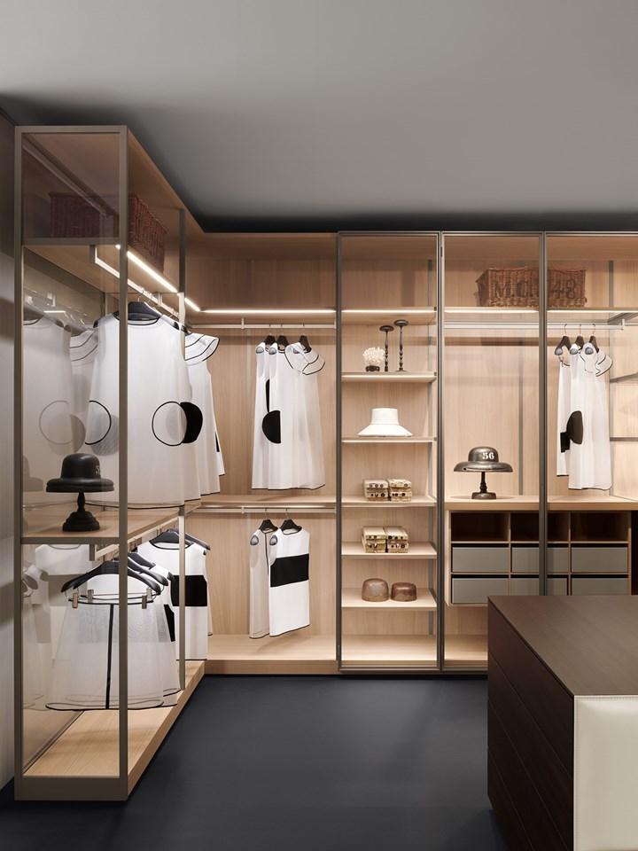 Storage Dressing Room – angolo trasparente