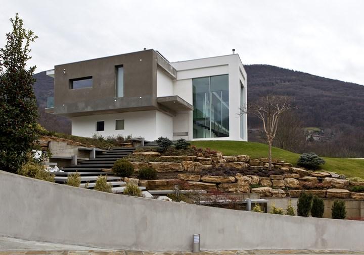 Un'architettura dinamica in dialogo con la natura