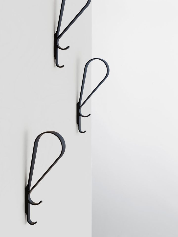 Tupla Wall Hook _Photo: Studio Bouroullec_Copyright exploitation rights with Artek