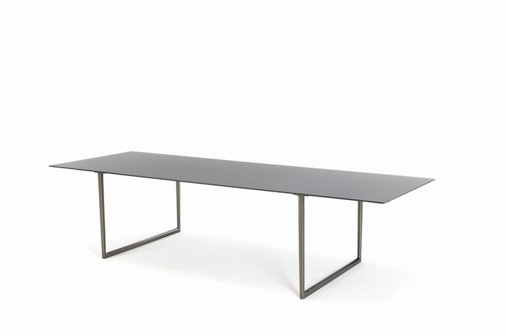 Toa table by Robin Rizzini