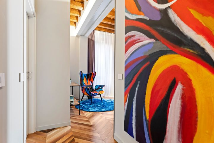 Cp Parquet for an Eclectic Apartment