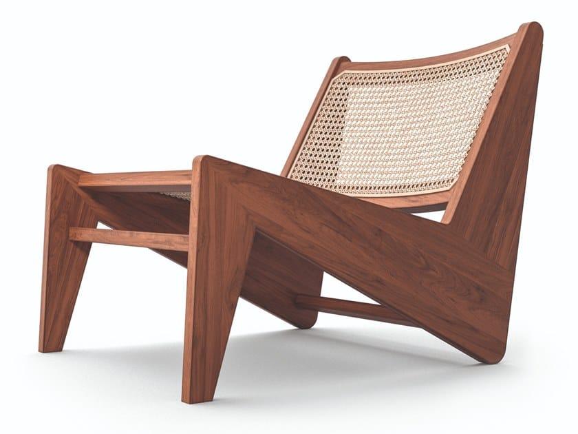 Poltroncina in legno massello e paglia di Vienna 058 KANGAROO by Cassina