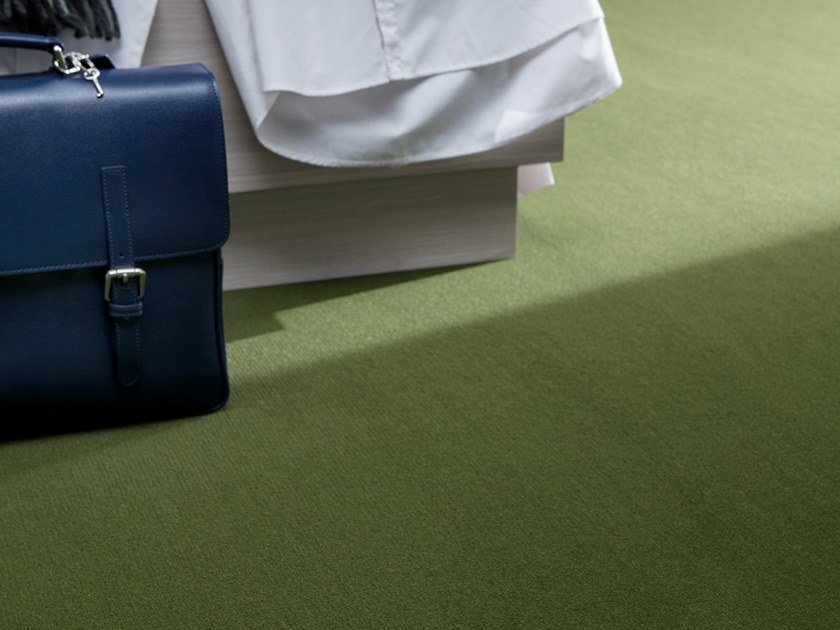 Solid-color polyamide carpeting AMERICA by Besana Moquette