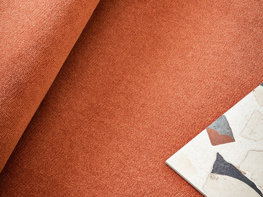 Solid-color polyamide carpeting DAFNE by Besana Moquette