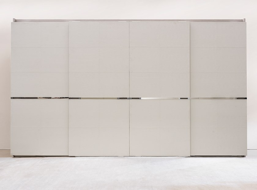 Wardrobe with sliding doors DIVISIO by Ornare
