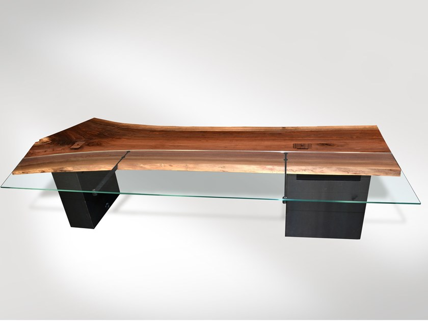 Desk Desk in walnut and glass by Tabula